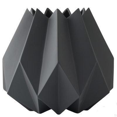 Folded korkea vaasi carbon